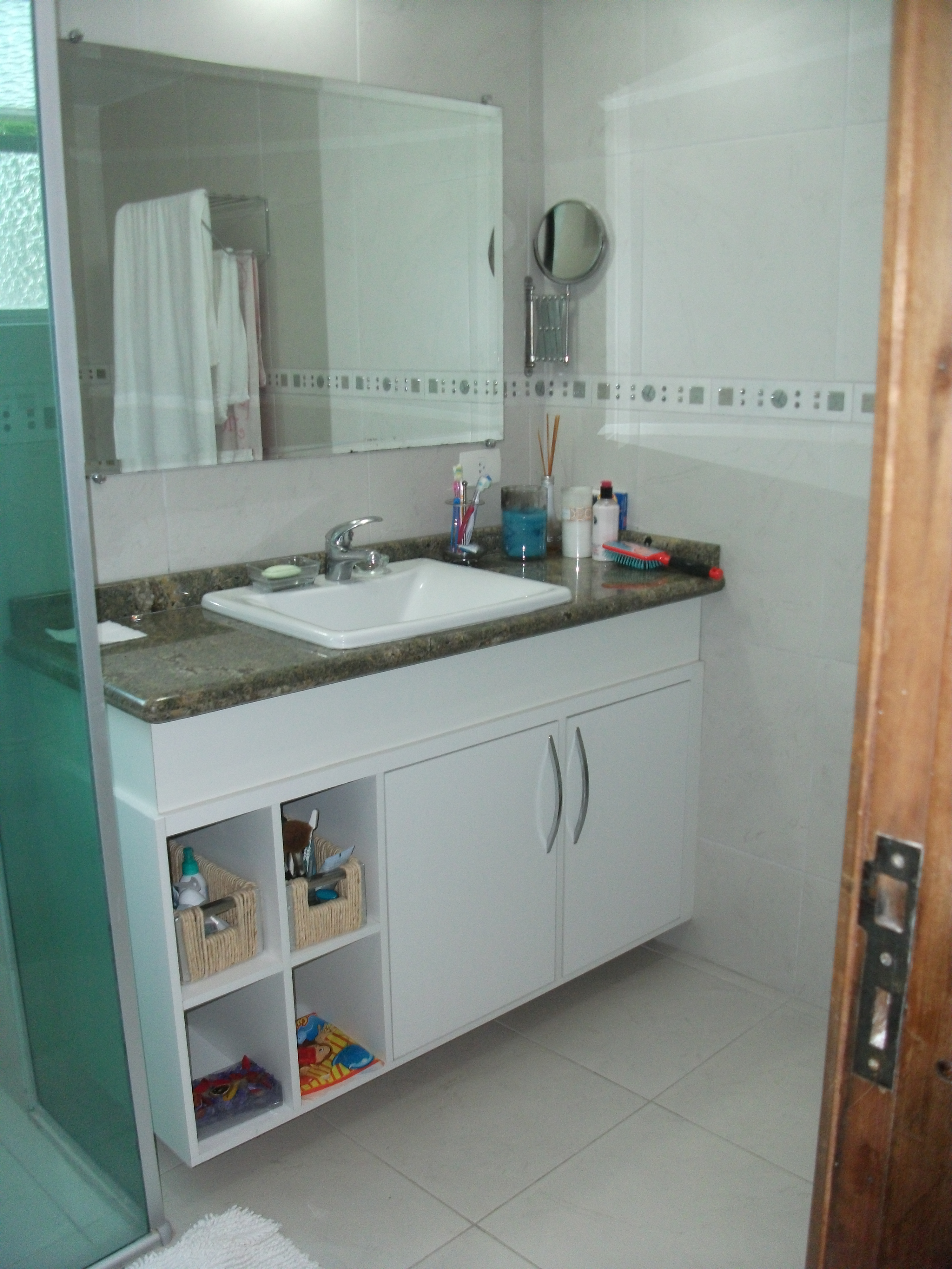 Banheiros Elabore Móveis #67442F 3000x4000 Armario Banheiro Granito