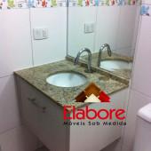 Armário de banheiro pequeno em MDF sob medida