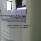 Banheiro planejado sob medida com led