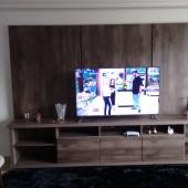 Painel para TV com gavetões