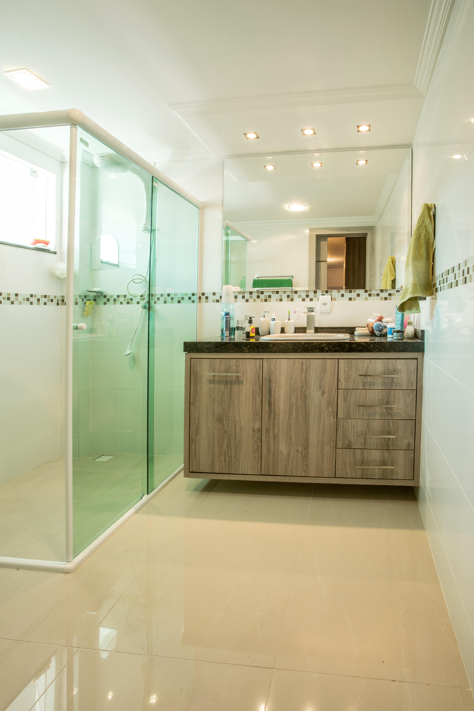 Balcão de Banheiro em MDF na cor Roble Mayor #352D12 3780 5670