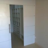 Closet em MDF Branco com porta de correr
