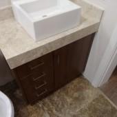 Armário de Banheiro com Mármore e cuba