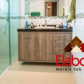 Balcão de banheiro em mdf com portas e gavetas e espelho