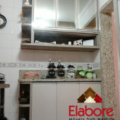 Cozinha toda planejada em mdf, com portas em vidro Reflecta