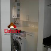 Armário para lavanderia com basculante para roupas