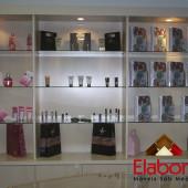 Loja de cosméticos com móveis planejado